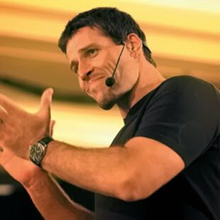 10 Tony Robbins Quotes To Unleash A Fighter's Mindset