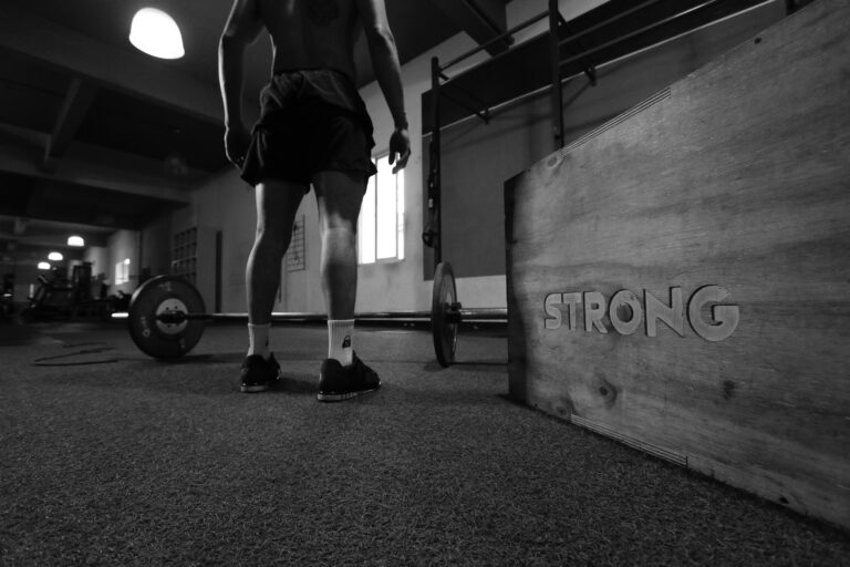 Read more about the article Weight Lifting Program For Men Over 40